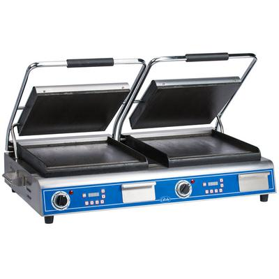 """Globe GSGDUE14D Deluxe Double Sandwich Grill with Smooth Plates - Dual 14"""" x 14"""" Cooking Surfaces - 208/240V, 7200W"""